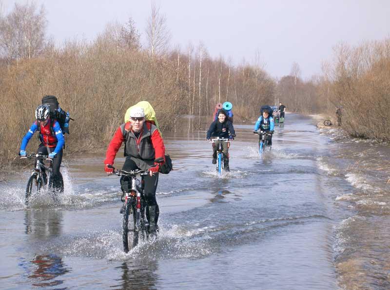 http://www.realbiker.ru/Travels/2005-04-16-17/toxa1475.jpg