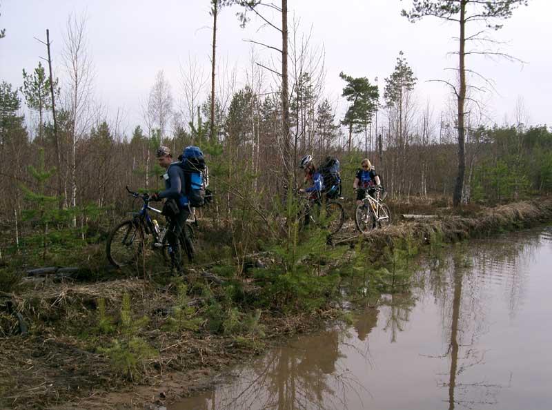 http://www.realbiker.ru/Travels/2005-04-16-17/toxa1570.jpg